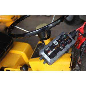 שימוש בסוללה נטענת המאפשרת התנעת רכב עם מצבר תקול, ללא עזרת רכב נוסף