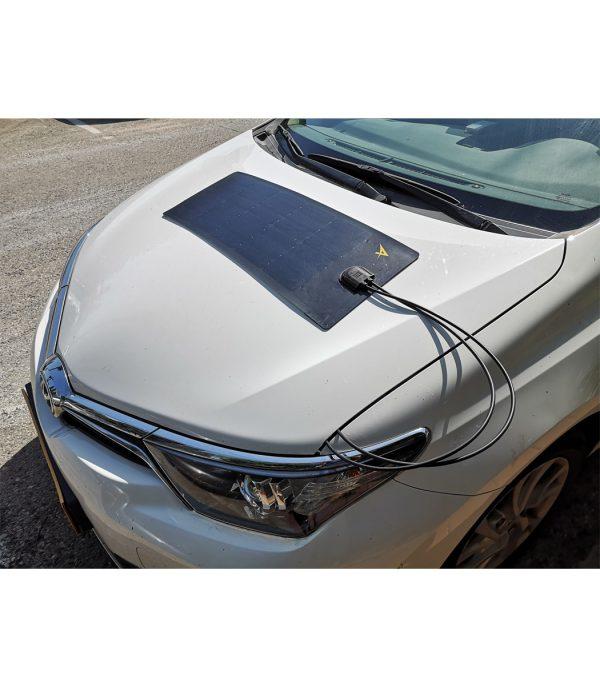 מטען מצברים סולארי לרכב