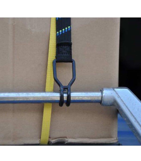 שימוש ברצועת קשירה נמתחת, עשויה גומי איכותי.