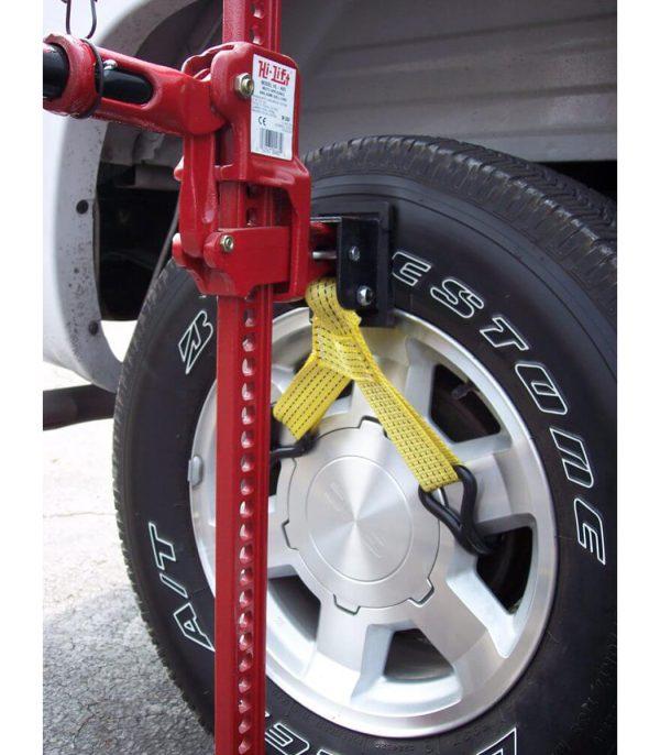 שימוש במתאם להרמה מגלגל הרכב