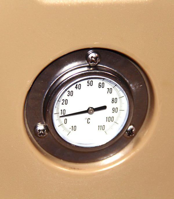 תרמומטר המאפשר בקרת טמפרטורה מדויקת בתוך הצידנית