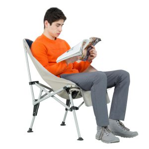 שימוש בכסא שטח מתקפל