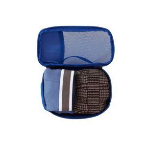 שימוש בארגונית קלה מיוחד לאחסון ואריזה של פריטים קטנים בתוך תרמיל או מזוודה.