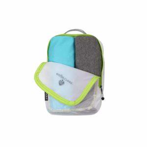 שימוש בארגונית קלה מיוחד לאחסון ואריזה של ציוד בתוך תרמיל או מזוודה בצבע לבן