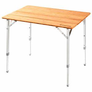 שולחן שטח גדול עם פלטת עץ במבוק עמידה במיוחד.