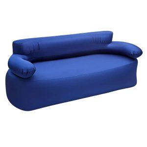 כורסא מתנפחת נוחה במיוחד, המתאימה לזוג וכוללת משאבת רגל לניפוח